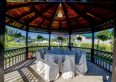 salon-crystal-water-belvedere-on-lake-nunta-la-piscina-1