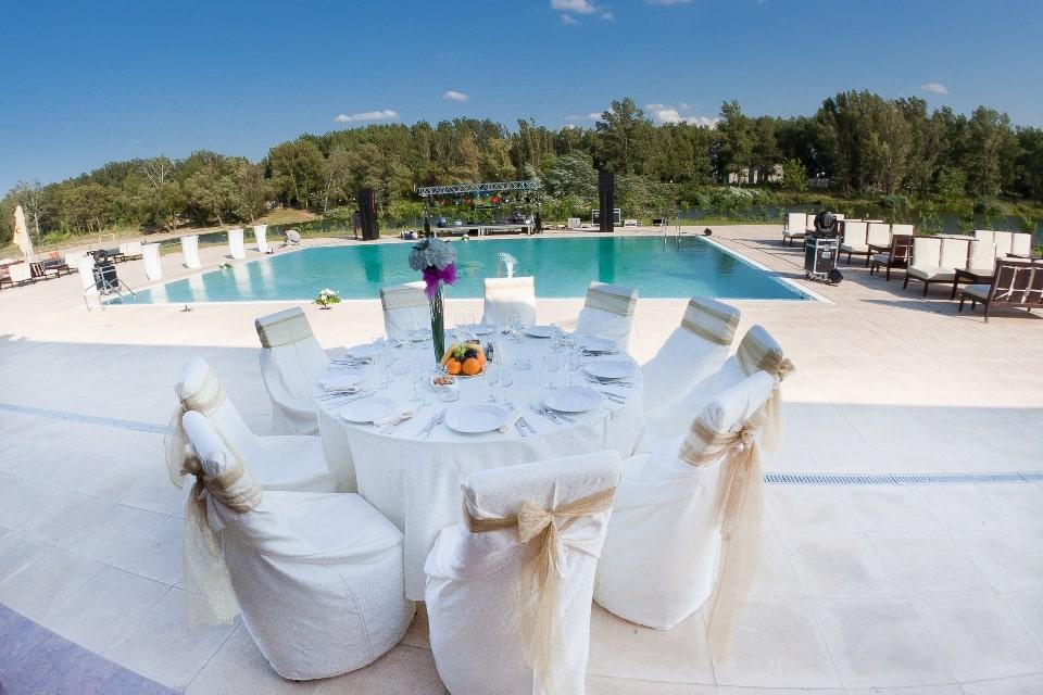 ballroom nunta cu piscina