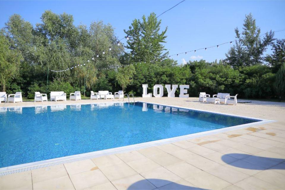 nunta la piscina langa Bucuresti