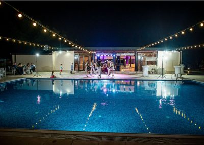 petrecere_nunta_la_piscina_dansatori_populari