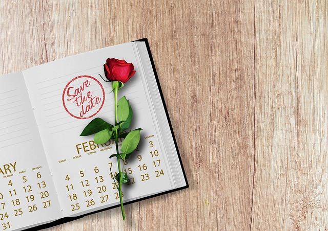 trandafir pe un calendar
